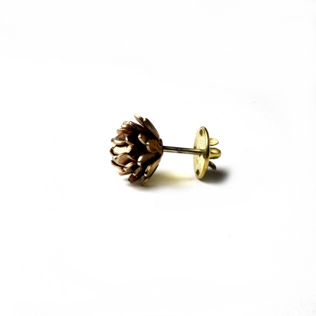chrysant flower bronze