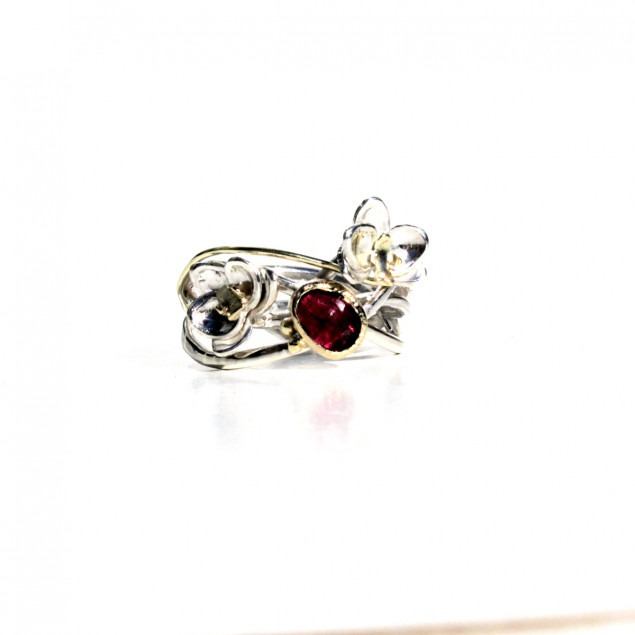 silver ring handmade with fairtrade gold and gemstone