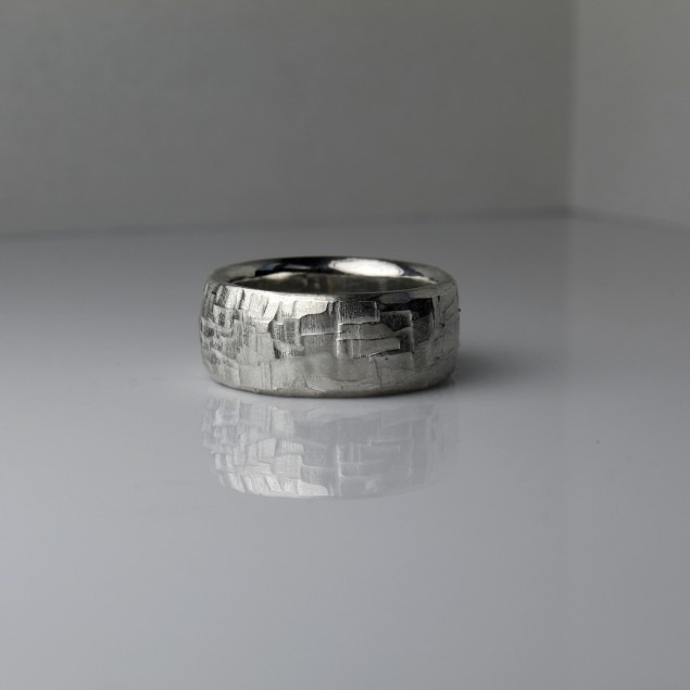 Male ring, silver textured