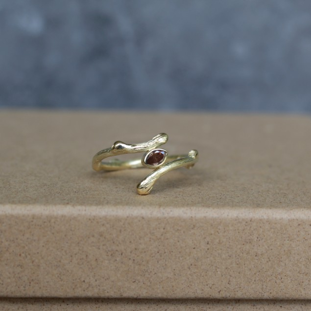 Botanical ring with diamond